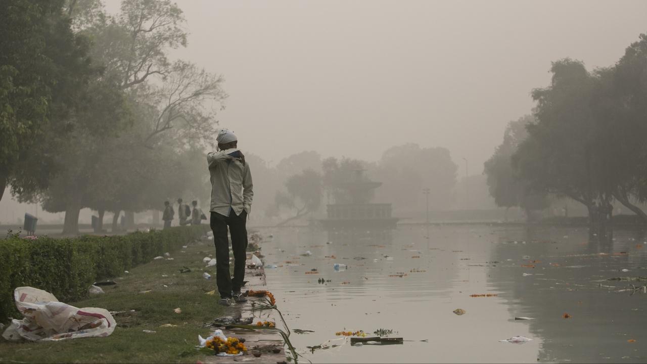 Smog In New Delhi Causes Public Health Emergency