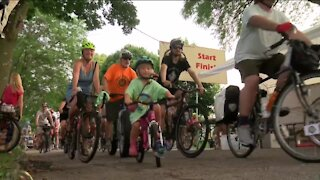 Hundreds turn out on their bikes to Riverwest 24