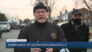 Barricaded situation ends peacefully in Detroit