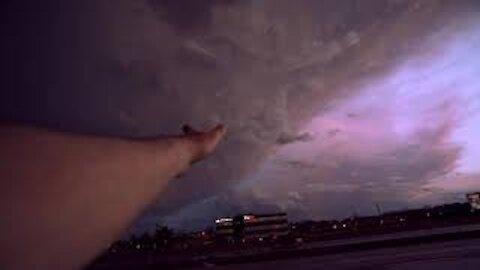 Extreme Storms Chaser   Purple Mammatus