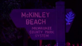 Man drowns helping get 2 children to shore in Milwaukee