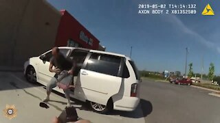 Traffic Stop Leads To Wild Police Chase of Minivan with Doors Open💥💥