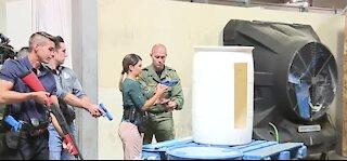 Las Vegas police run reporters through use-of-force training