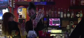 Bars in Las Vegas to close at midnight