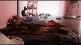 SOUTH AFRICA - Johannesburg - Homeless shelter (videos) (GWq)