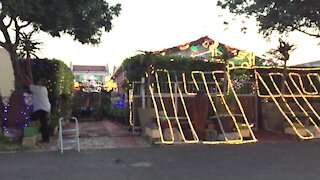 South Africa - Cape Town - Ottery Christmas lights (Video) (Qxc)