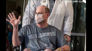 Health care hero returns to frontlines after battling COVID in ICU