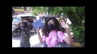 SPOTTED: Shilpa Shetty At Kromakay Salon | SpotboyE