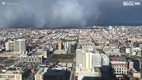 Time-lapse filma Filadélfia a ser invadida por tempestade de neve