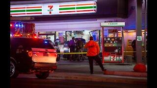 Car crashes into downtown Las Vegas 7-Eleven