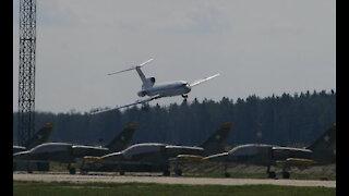✈ Tu-154 Almost Crash after losing Control!!!