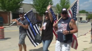 """""""Back the Blue"""" supporters rally around Green Bay Police Department"""