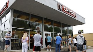 Chipotle Raises Minimum Wage To $15 An Hour
