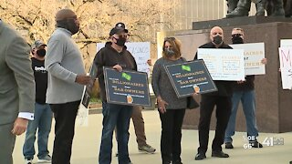 KC biz owners protest COVID-19 restrictions, demand relief