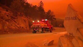 RAW: Video shows evacuations underway in Estes Park under orange sky