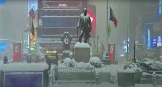 Tormenta de nieve y fuertes vientos paralizan Nueva York