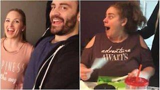 Coppia sorprende famiglia e amici annunciando la gravidanza