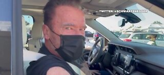 Arnold Schwarzenegger gets COVID vaccine