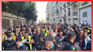 French Police Join Anti-Forced Vaccine Protest - 2535