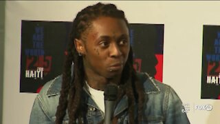 Lil Wayne pleads guilty to gun charge