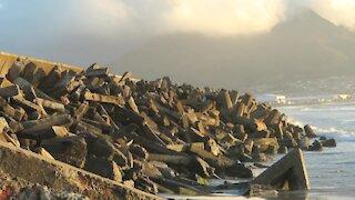 SOUTH AFRICA - Cape Town - Dolosse (Video) (unu)