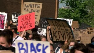 Milwaukee protesters march into Wauwatosa, asking for suburbs support