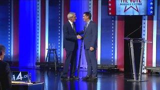 Wisconsin Gov. Walker, challenger Evers hold final debate