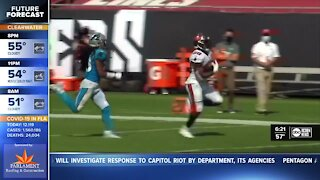 Fournette finds his way with the Bucs