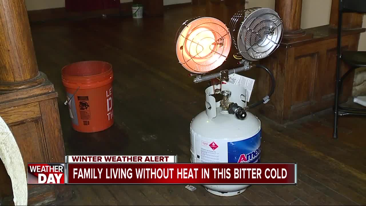 Detroit mother, 4 kids living without heat during early winter blast