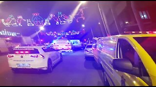 UPDATE1-ADDS VIDEO-Blaze rips through Durban building (YJp)