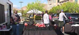 Drive-thru farmers market in Las Vegas