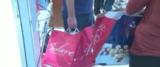 U.S. consumer spending falls a record 13.6% in April