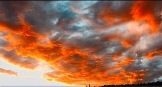 Skylapse 003 | beautiful colors forward and reverse