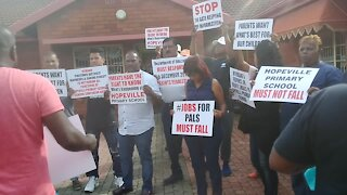 SOUTH AFRICA - Durban - Hopeville Primary School protest (Videos) (etx)