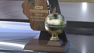 Tosa East Boys Basketball celebrates State Championship win