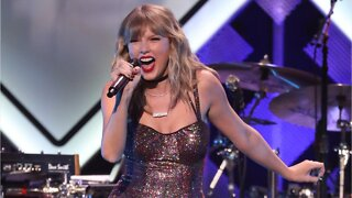 Taylor Swift To Fans: Vote Early Because Trump Opposes