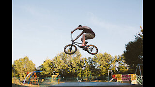 bmx halfpipe bike stunt sport