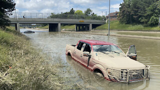 Michigan Freeway Flooded for Days after Heavy Rainfall in Detroit