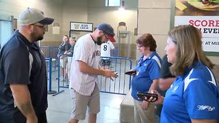 As postseason gets closer, Milwaukee Brewers fans feeling playoff fever