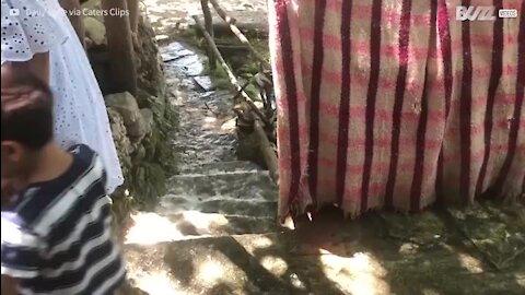 Existe um restaurante numa cascata localizado na Croácia