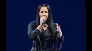 Demi Lovato apologises to frozen yoghurt brand