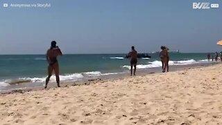 Spagna: 50 migranti sbarcano tra i bagnanti della spiaggia