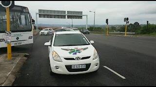 WATCH: Metro buses block roads into Durban (Xmn)
