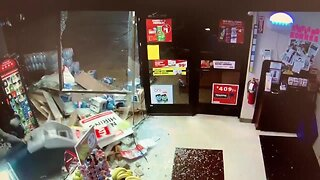Kirtland police searching for smash and grab suspects