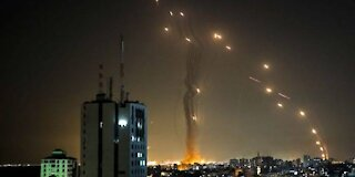 Hamas continues rocket fire as Israel threatens ground attack