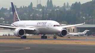 United Airlines to furlough 16,000 employees in October