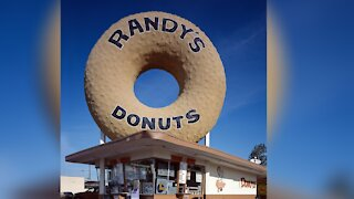 Iconic Randy's Donuts coming to Las Vegas valley
