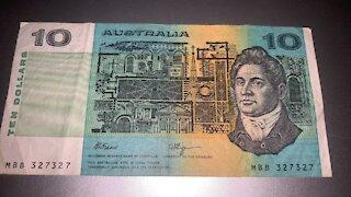 OLD $10 AUSTRALIAN NOTE