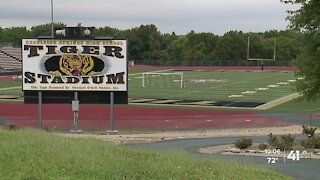 4 KC-area HS football teams placed in quarantine after games