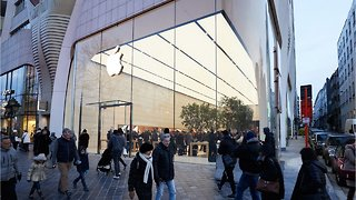 Apple Working On High-End Headphones